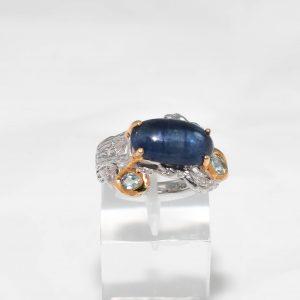 Сребърен пръстен със Сапфир кабошон и Топази