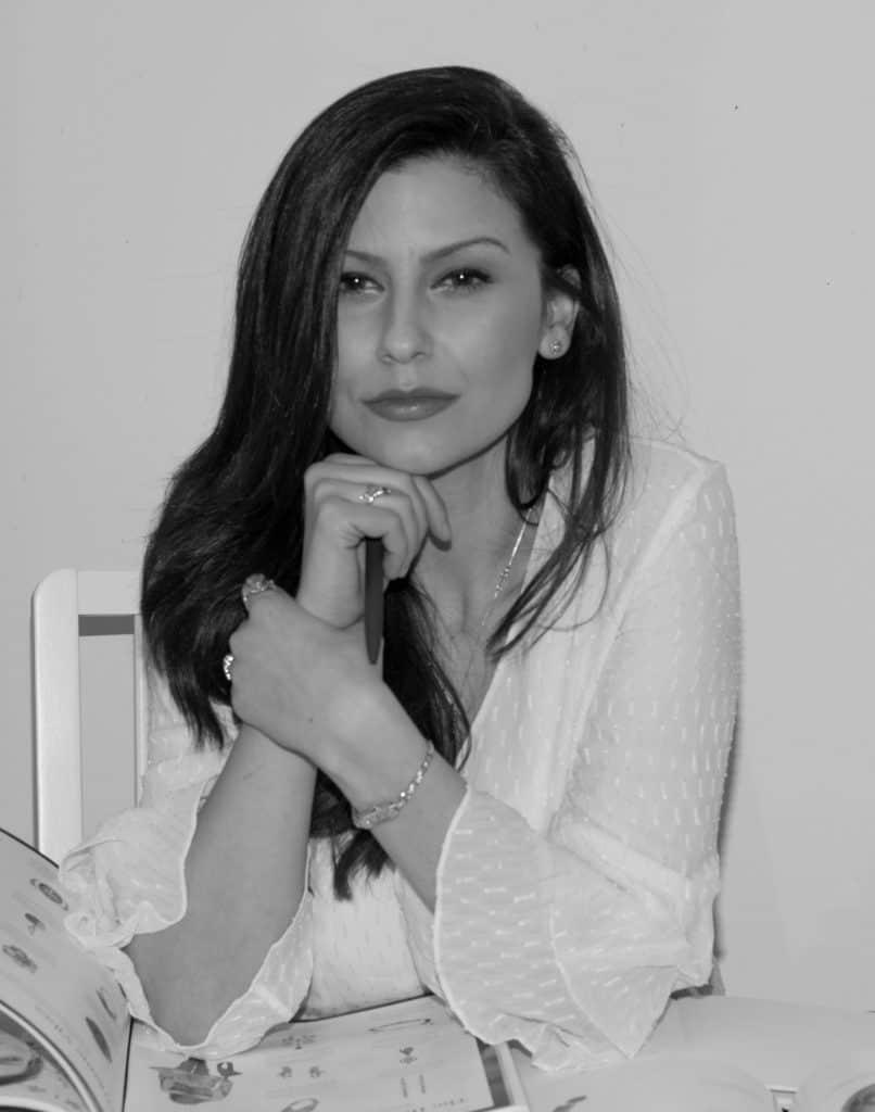 Кристина Панчева - основател на Ефирджемс сайт за луксозни бижута и кристали
