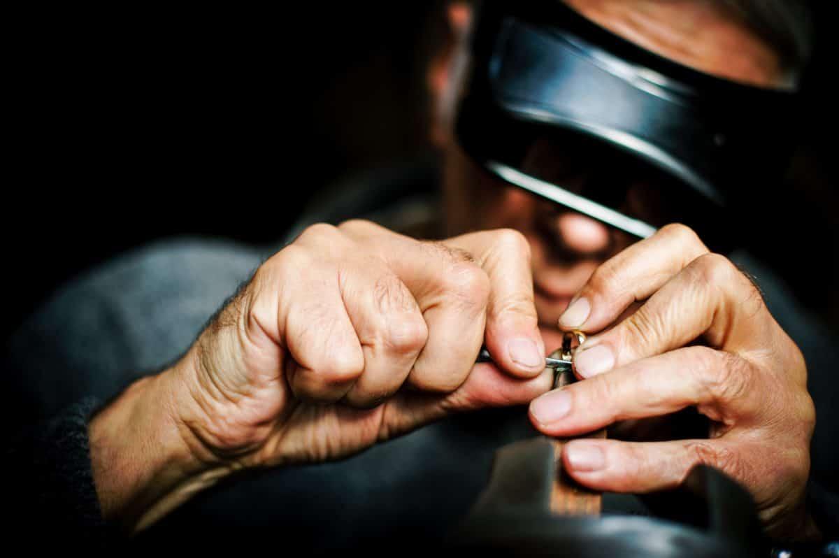 Изработване на бижута по поръчка от Ефир