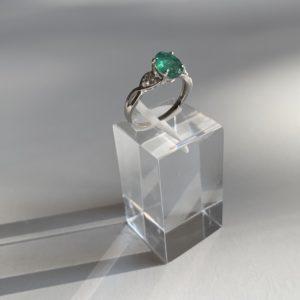 Златен пръстен с изумруд и диаманти - Ефир
